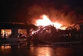 Cháy lớn KCN ở biên giới Việt-Trung, thiêu rụi hàng ngàn tấn nguyên liệu