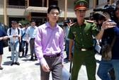 Bác sĩ Hoàng Công Lương xin giữ quyền im lặng, ủy quyền cho luật sư minh oan