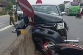 Tai nạn liên hoàn có xe xe bốn bánh biển xanh, 2 người nguy kịch