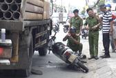 Va chạm xe tải trong lúc chở khách, một tài xế GrabBike tử vong