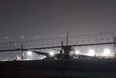 Máy bay Trung Quốc trượt khỏi đường băng, một động cơ rời ra