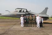 Cận cảnh chiến đấu cơ chủ lực không quân Pháp tới Việt Nam