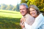 60 tuổi muốn có con có vợ trẻ, có phải xin tinh trùng?