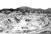 Gia tộc Hồng Kông biến vùng đồi cằn cỗi thành đế chế bất động sản