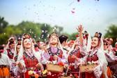 Thung lũng hoa hồng thơ mộng giữa núi đồi Bulgaria