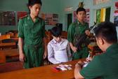 Bình Thuận: Bắt quả tang 1 người mang 400 tép ma túy đá