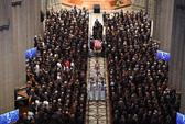 Tang lễ ông McCain: Thông điệp đậm đặc tới vị tổng thống vắng mặt