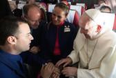 """Giáo hoàng Francis chủ trì hôn lễ """"lịch sử"""" trên máy bay"""