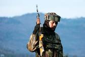 Ấn Độ mua hơn 160.000 súng cho lính biên phòng