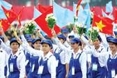 Vẽ tranh cổ động chào mừng Đại hội Công đoàn Việt Nam