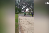 Tài xế Grabbike bị xe ôm truyền thống đuổi đánh toác đầu
