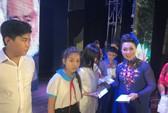 NSND Bạch Tuyết xúc động trao học bổng Nhạc sĩ Bắc Sơn