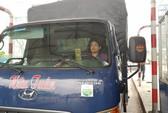 Nữ tài xế xe tải lại