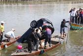 Vớt được thi thể gia đình 3 người lao xe xuống sông Hoài