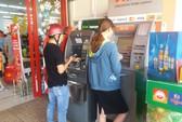Khuyến khích miễn giảm phí, hoàn tiền khi thanh toán điện, nước, học phí… qua ATM, POS