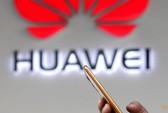 """""""Lỡ tay"""" dùng iPhone, nhân viên Huawei bị phạt nặng"""