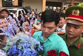 Vợ bác sĩ Hoàng Công Lương làm đơn xin cho chồng được xét xử vắng mặt
