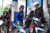 Giá xăng giảm mạnh cả ngàn đồng/lít sau 2 lần giảm