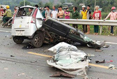 Đấu đầu xe ben, tài xế tử vong thương tâm trong xe 4 chỗ nát vụn