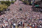 Bị cấm xuất cảnh, vì sao thủ lĩnh đối lập ra vào Venezuela dễ dàng?