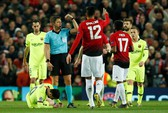 Thua Barca trên sân nhà, M.U mơ tái lập cuộc ngược dòng