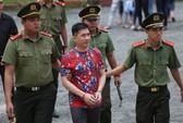Tòa bất ngờ hoãn tuyên vụ Văn Kính Dương, trả hồ sơ điều tra lại