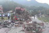 Tai nạn kinh hoàng giữa xe khách và xe tải, 3 người chết, 38 người bị thương