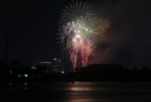 Bắn pháo hoa trong tuần lễ du lịch Lý Sơn