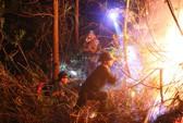 Rừng tại Hà Tĩnh cháy đỏ trời trong đêm, nhiều hộ dân phải sơ tán khẩn cấp