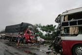Xe khách đấu đầu xe tải, 12 người thương vong
