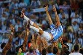 Van Nistelrooy bất ngờ tuyên bố giải nghệ