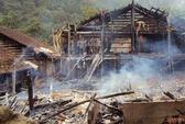 2 đôi nam nữ nướng ngô, thiêu hủy di sản quý hơn 100 tuổi