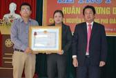Trao tặng Huân chương Dũng cảm cho Phó Giám đốc Sở bị lũ cuốn