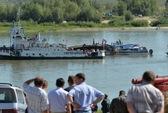 Tàu thủy tông sà lan, ít nhất 8 người chết
