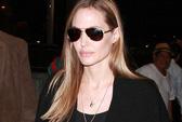Angelina Jolie nhận tượng vàng Oscar danh dự