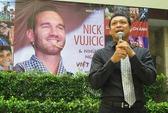 """Nick Vujicic """"trở lại"""" Việt Nam qua sách ảnh"""