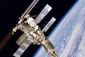 Tranh cãi về thức ăn và toilet trên trạm không gian
