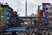 Người biểu tình Thái Lan đụng độ dân thường, 2 người chết