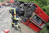 Thụy Sĩ: Tàu hoả du lịch trật bánh trên dãy An-pơ