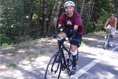 Không chân tay, đạp xe 60km