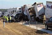 100 ô tô tai nạn liên hoàn trên đường cao tốc