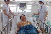 Ngăn ẩu đả sau đám cưới, nam thanh niêm bị đâm thủng phổi