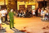 Kinh hoàng 2 thanh niên truy sát, chém chết người trên phố