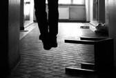 Bị cấm yêu, nữ sinh viên thắt cổ tự tử