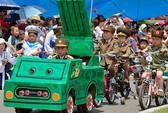 Trẻ em Triều Tiên diễu binh mừng Quốc tế Thiếu nhi