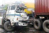 3 xe tải tông nhau, Quốc lộ 1A tắc đường 4 giờ