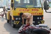 Xe cứu hộ tông xe máy, một em bé nguy kịch