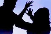Bé gái 13 tuổi bị hiếp tập thể rồi thiêu sống