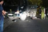 Va vào xe tải dừng bên đường, 1 người chết