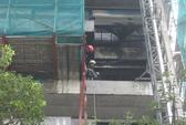 Cháy công trình 12 tầng sát trụ sở công an
